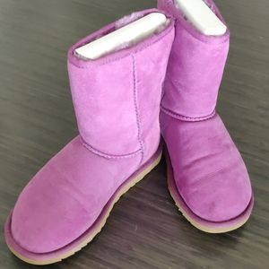 UGG Classic Short Boot in Orchid